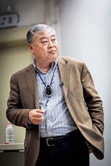 华东师范大学历史系终身教授,冷战史专家沈志华
